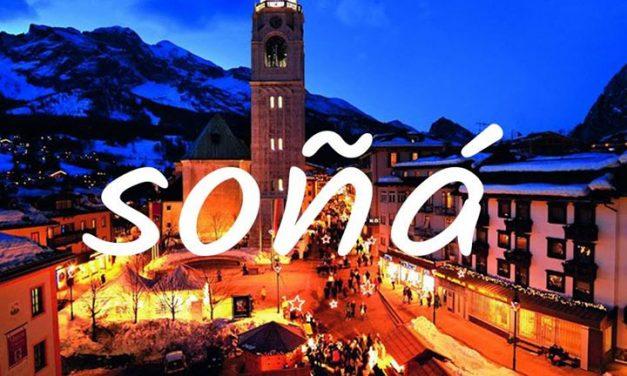 Cortina d'Ampezzo asoma en los Alpes Dolomitas, al norte de Italia, y es el cent…