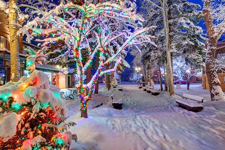 Vos podes conocer Aspen Snowmass, que ya prepara todo para esta Navidad!  ⠀ Suma…