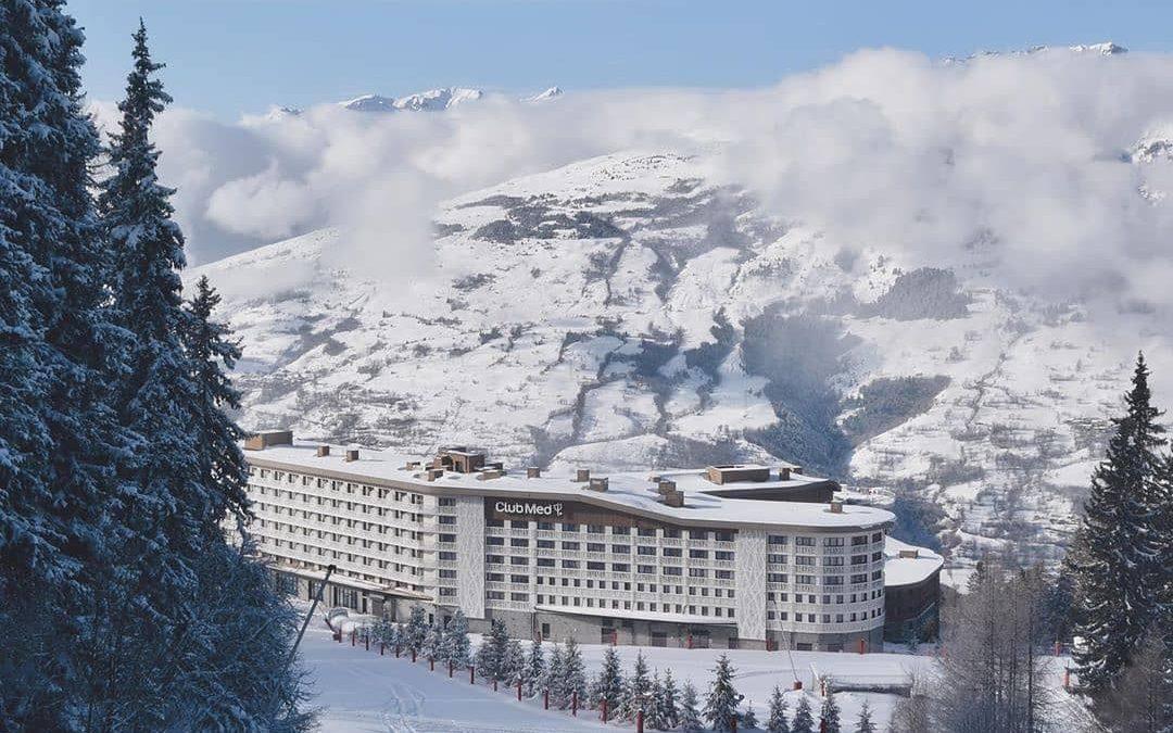 Francia te espera  El @clubmedarcspanorama es el paraíso para los esquiadores co…